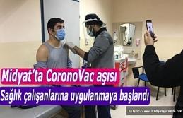 Son Dakika | Midyat'ta CoronoVac aşısı sağlık çalışanlarına uygulanmaya başlandı