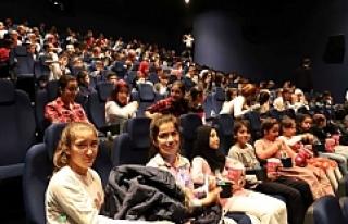14 bin öğrenci sinema ile buluştu