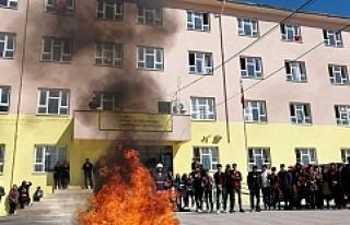 Büyükşehir İtfaiyesinden öğrencilere yangın...