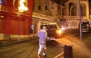 Mardin'de cadde ve sokaklar yıkanarak dezenfekte...