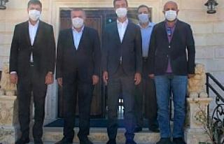 AK Parti Milletvekilleri Midyat Belediyesini Ziyaret...
