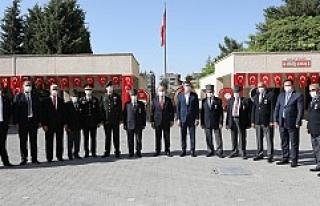 Vali Demirtaş, Gaziler Günü Törenine Katıldı