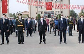Midyat'ta 29 Ekim Cumhuriyet Bayramı kutlanıyor