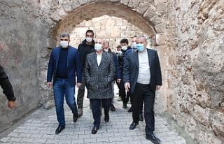 Mardin Valisi Mahmut Demirtaş, Midyat'ta incelemelerde...