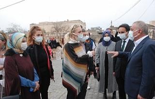 Turizm Bakanı Ersoy'un eşi Midyat'ta