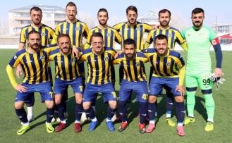 Başakspor, Bağlar Belediyespor'u 2 - 0 mağlup etti