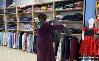 Büyükşehir Belediyesinden İhtiyaç Sahiplerine Giysi Yardımı