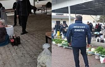 Midyat'taki pazarlarda koronavirüs denetimi