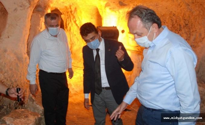 Kültür Varlıkları ve Müzeler Genel Müdürü Yazgı, Midyat'ta incelemelerde bulundu