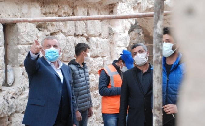 Başkan Şahin, Sokak sağlıklaştıma çalışmalarını inceledi