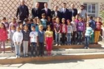 Sarı, Midyat Sarıkaya İlkokulu'nu Ziyaret Etti