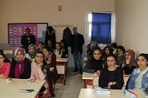 Midyat'ta öğrencilere diş macunu ve fırçası dağıtıldı