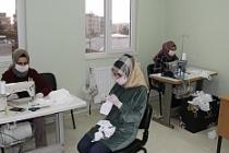 HEM Usta Öğreticileri gönüllü maske üretiyor