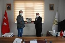 Başkan Şahin'den, Sermiyan Midyat'ta plaket