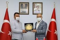 Vali Demirtaş, Duyarlı Özel Halk Otobüsü Şoförünü Ödüllendirdi