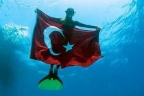 Şahika Ercümen, Paletsiz Sabit Ağırlıklı Kategoride Türkiye Rekoru Kırdı!