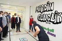Vali Demirtaş, Gençlik Merkezini Ziyaret Etti