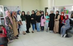 Midyat Adem'de Gelinlere Ücretsiz Kuaförlük Ve Makyaj Hizmeti