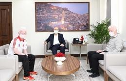 Görme Engelli Mardin'li Atlet Yusuf, Valiği Ziyaret Etti