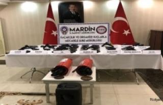 Mardin'de Çeşitli Silahlar Ele Geçirildi