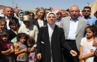 Ravza Kavakçı Kan, 'Suriyeli ve Ezidi'...