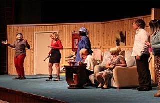 Olgun Portakal isimli tiyatro oyunu sergilendi