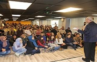 Gençlik Merkezi'nin Konuğu Şair Nurullah Genç...