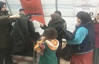 AK Parti Mardin İl Başkanlığından Mültecilere...