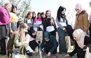 Kırsal Mahallelerden Gelen Kızlar ile Örnek Proje