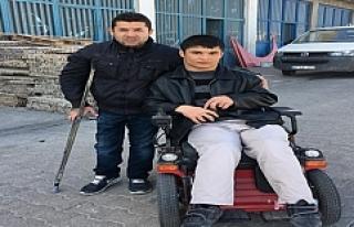 Midyat'ta engelliye elektrikli sandalye
