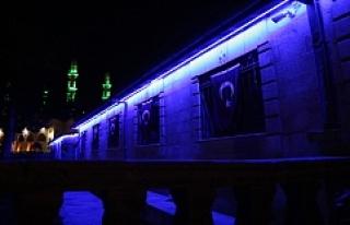Otizme Karşı Mavi Işık Yak Kampanyasına Destek