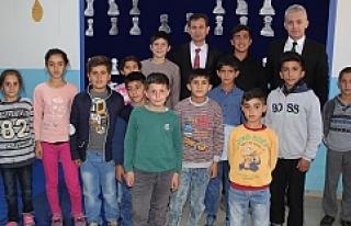 Türkiye İş Bankası'nın desteğiyle 10 okula...