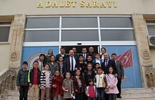 Öğrencilerden Başsavcısı Akkiraz'a, teşekkür...