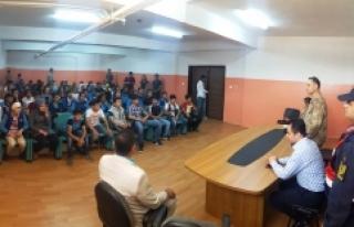 Midyat'ta Öğrencilere Trafik Semineri Verildi