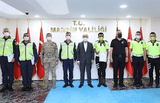 Vali Demirtaş, Başarılı Trafik Görevlilerini...