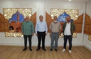 Başkan Şahin, Kooperatif Başkanı Yeşilmen'i...