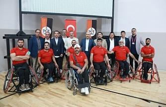 Bakan Kasapoğlu'ndan, Tekerlekli Sandalye Basketbol Takımına Destek