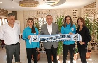 Başkan Şahin, Kadın voleybolcuları ağırladı