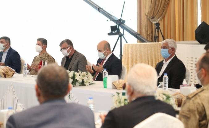 Vali Demirtaş, Husumetli Ailelerin Barış Törenine Katıldı