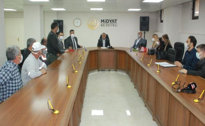 1 Mayıs İşçi Bayramında Midyat Belediye işçilerine çifte bayram yaşattı