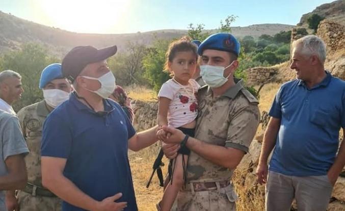 Son dakika Dağda kaybolan 3 yaşındaki Hazal'ı Mehmetçik buldu