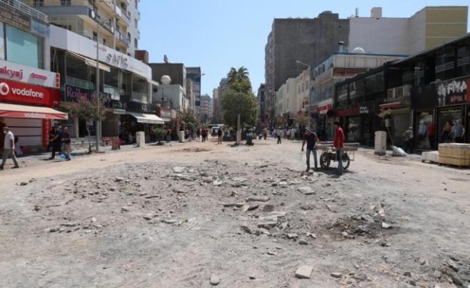 Kızıltepe Cumhuriyet Meydanında yenileme çalışmaları başladı