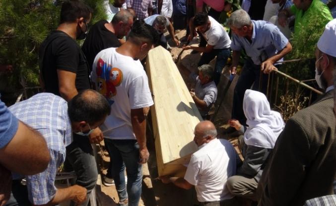 Kübra Doğan, Midyat'ta Son Yolculuğuna uğurlandı