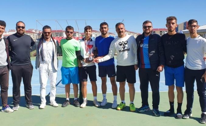 Midyat Belediyesi Sporcularından Ağrı'da Şampiyonluk