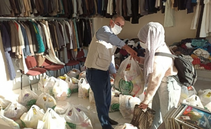 Mardin'de Mevlit Yemeği Yerine Muhtaçlara Gıda Dağıttılar
