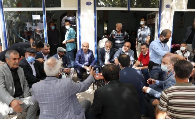 """Vali Demirtaş: """"Sorunları öncellik sırasına göre çözme gayretindeyiz"""""""