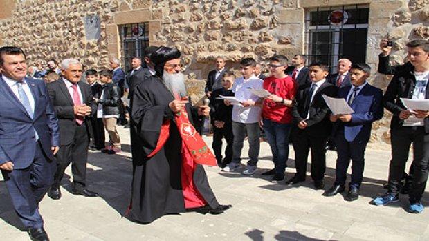 Süryaniler Midyat'ta Paskalya Bayramını Kutladı